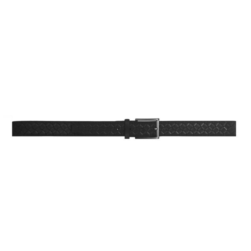 Cinturón negro con relieve